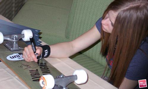 Avril Lavigne Storia Team World