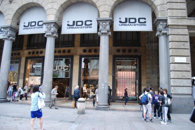 1D Team World Store JDC