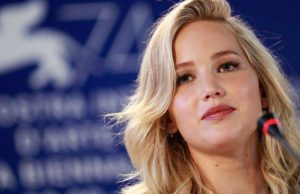 Jennifer Lawrence Venezia 74