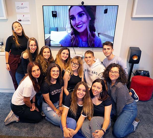 Little Mix Perrie Edwards Skype fan italiani